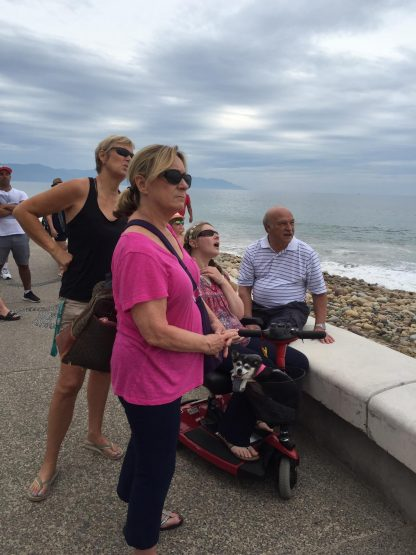 The small scoter is nice for short trips on the Malecon